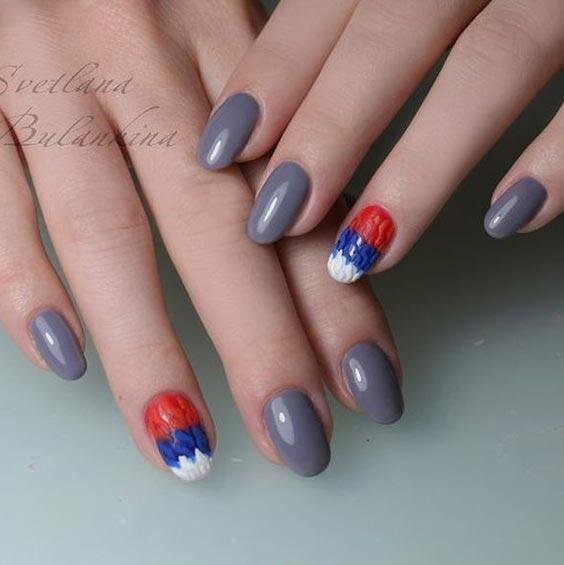 Ногти с российским флагом