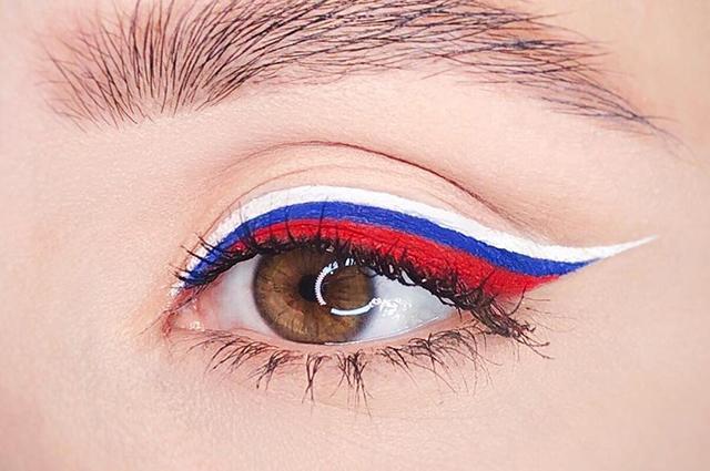 Макияж российский флаг