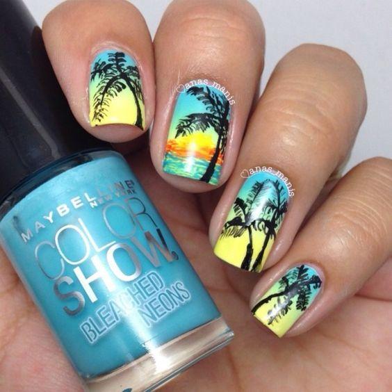 Летний маникюр с пальмами