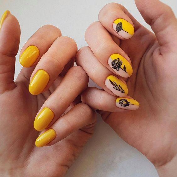 Маникюр с чёрным и жёлтым лаком