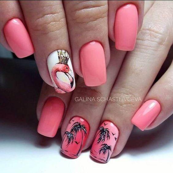 Маникюр с пальмами и фламинго