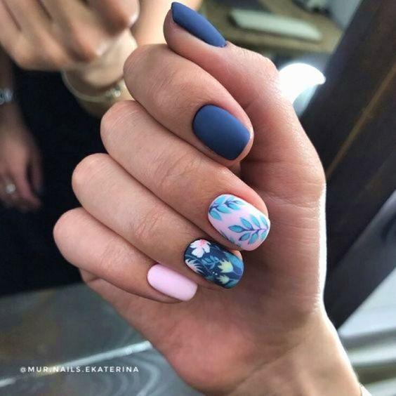 Маникюр с цветочками на ногтях
