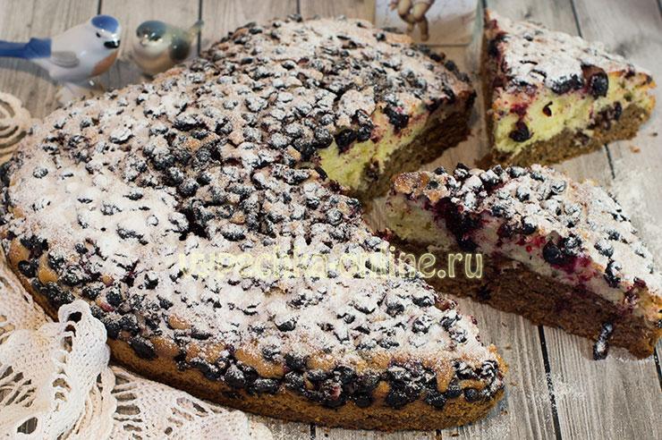 Пирог с ягодами из песочного теста в духовке