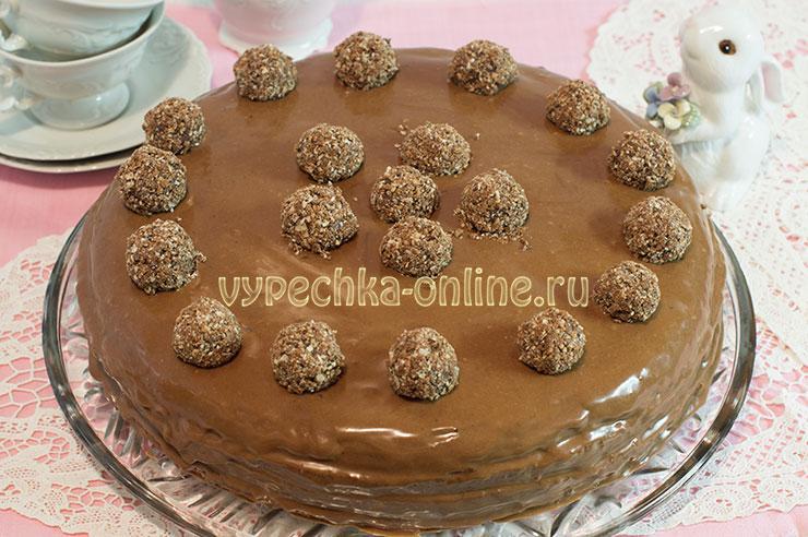 Шоколадный бисквитный торт с шоколадным кремом