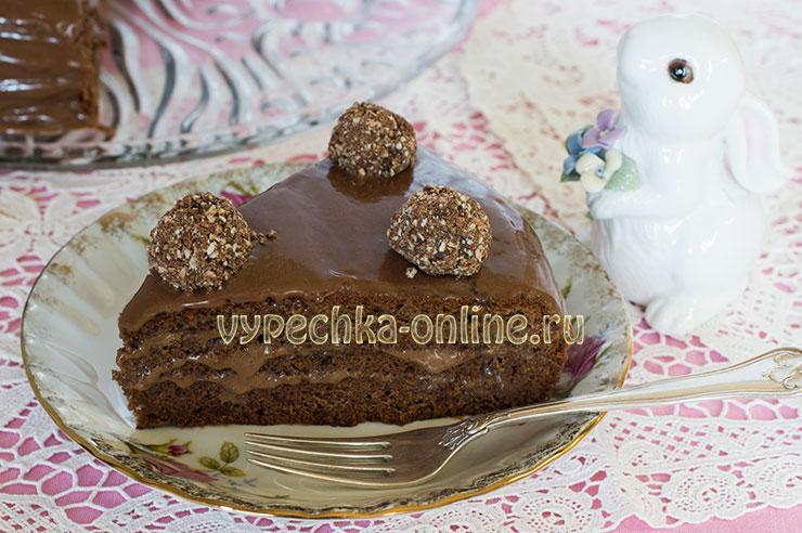 Шоколадный бисквитный торт с шоколадным кремом со сгущёнкой – рецепт с фото в домашних условиях