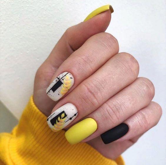Чёрно-жёлтый маникюр фото