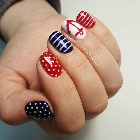Маникюр морской дизайн ногтей