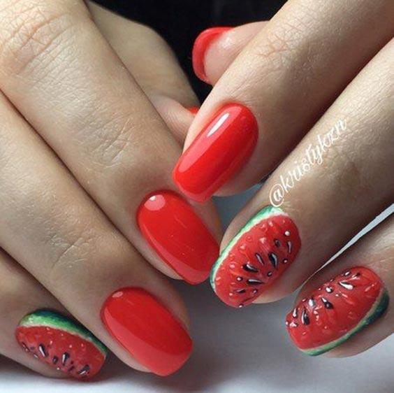 Дизайн ногтей с арбузом