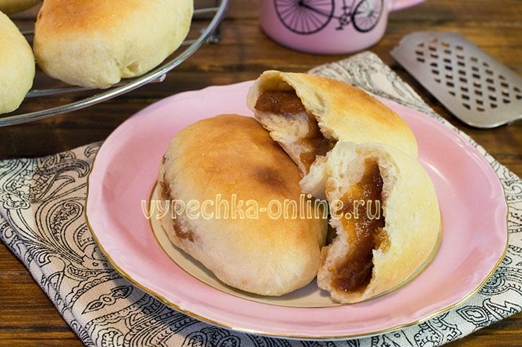 Пирожки с вареньем из дрожжевого теста в духовке – рецепт с сухими дрожжами на воде, без молока