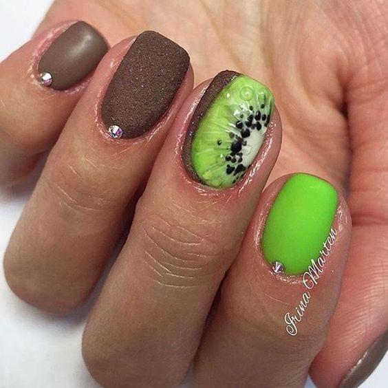 Дизайн ногтей с киви