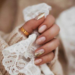 Нежный свадебный маникюр