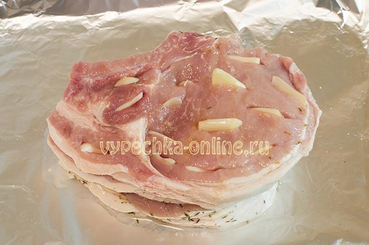 Свинина с чесноком