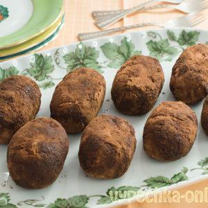 Пирожное Картошка из бисквита рецепт с маслом и сгущёнкой в домашних условиях – как сделать