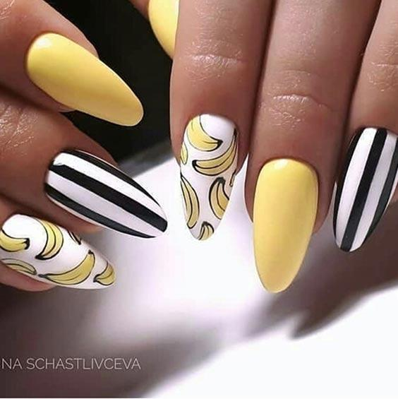 банановый маникюр