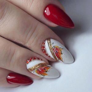 Дизайн ногтей с осенними листьями