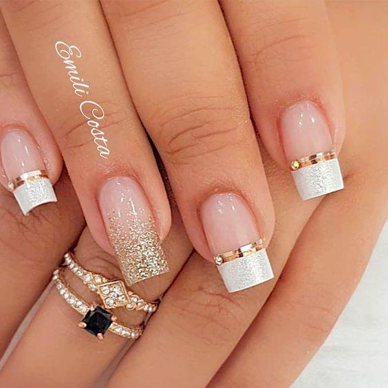 ногти белые с золотом