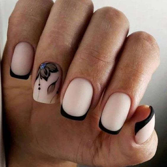 Маникюр черный с нюдом – дизайн ногтей, фото