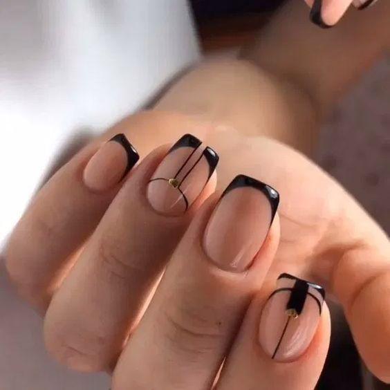 ногти черные с прозрачным лаком