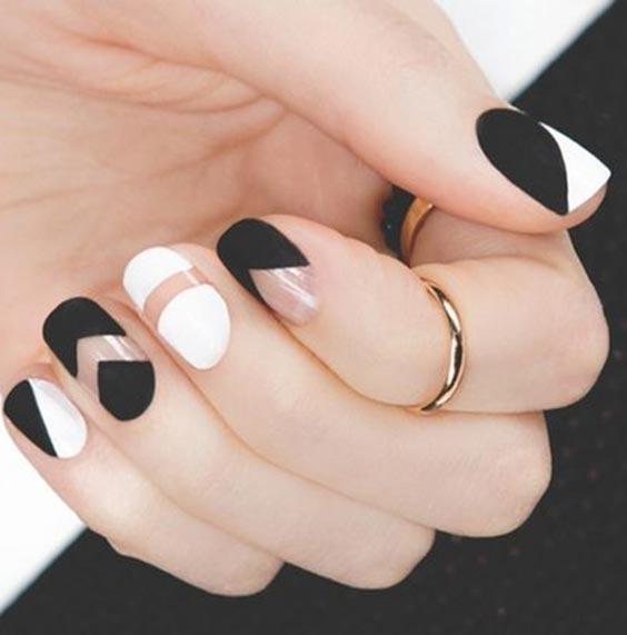 чёрно-белый маникюр на коротких ногтях