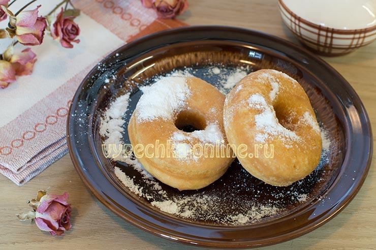 Пончики на молоке и дрожжах рецепт на сковороде – воздушные, пышные, с дырочкой