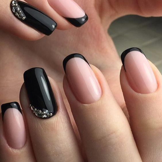 дизайн ногтей черный с прозрачными вставками