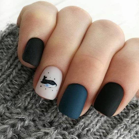 дизайн ногтей чёрный с нюдовым