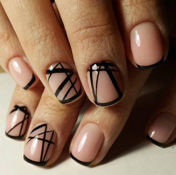 дизайн ногтей чёрный с прозрачным
