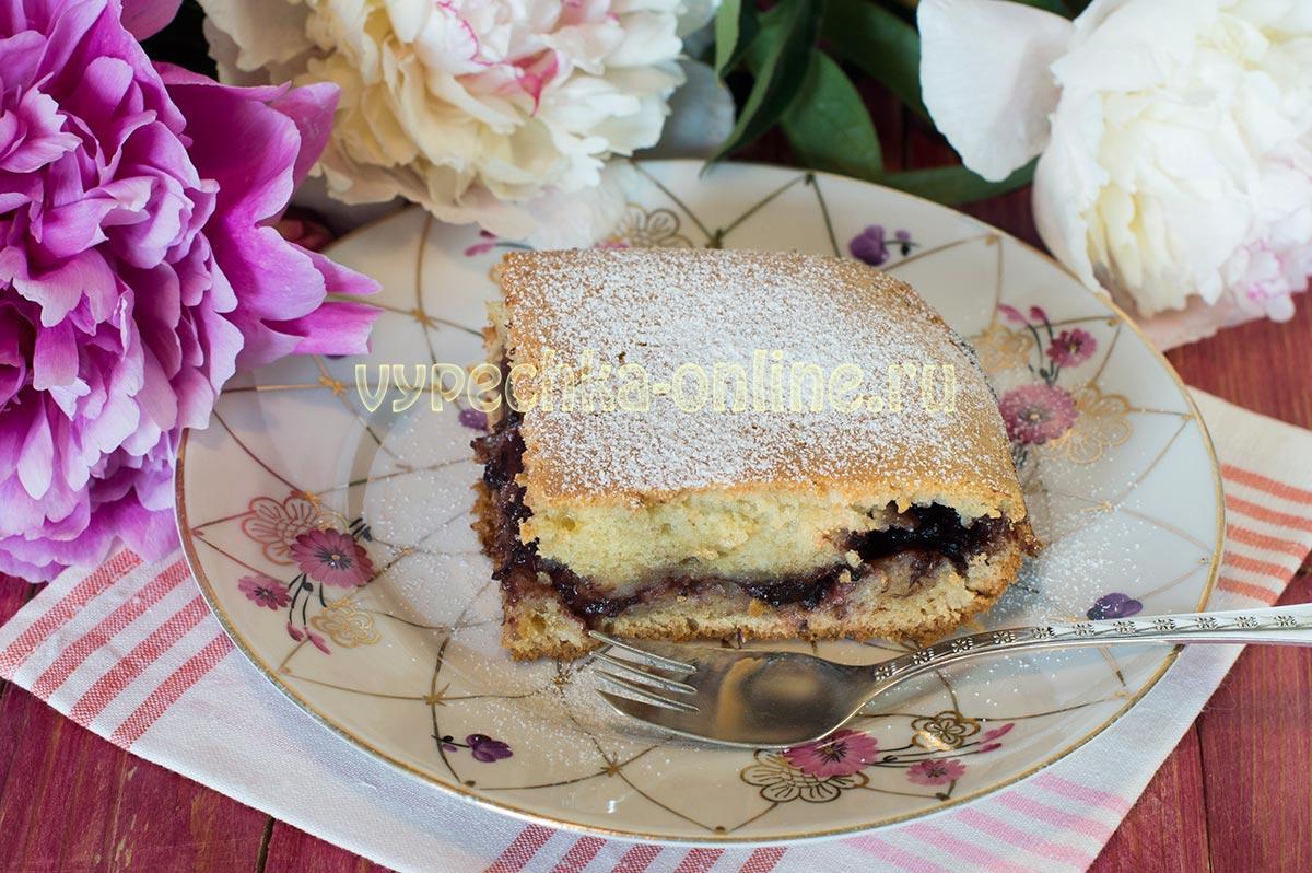 пирог с вареньем в духовке на скорую руку на молоке самый простой