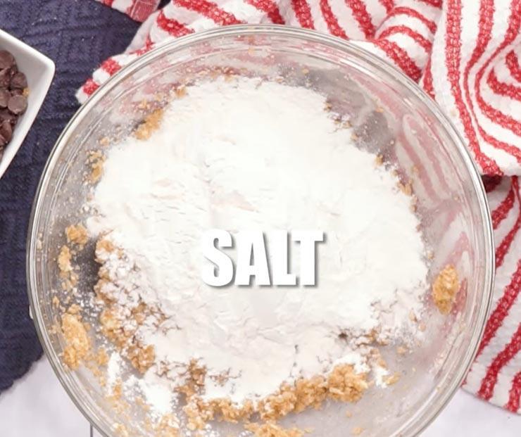 Мука, соль