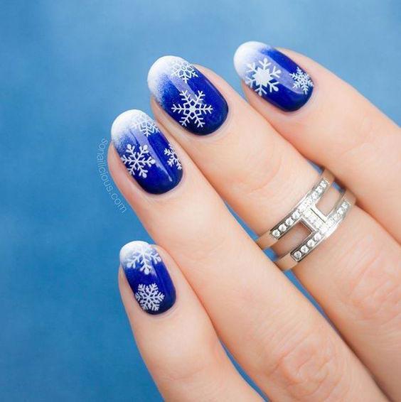 новогодние ногти со снежинками