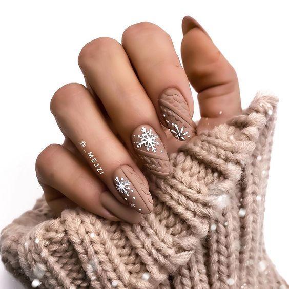 вязаный рисунок на ногтях