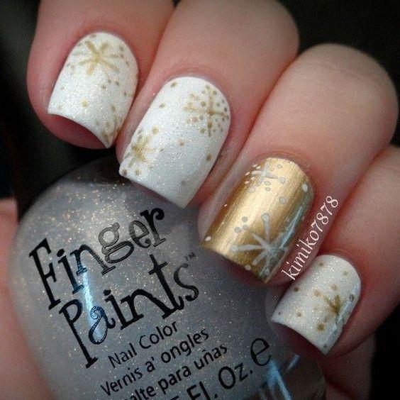снежинки на ногтях дизайн