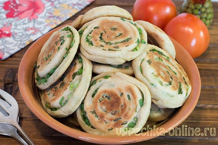Постные лепёшки на сковороде рецепт без дрожжей, с зелёным луком
