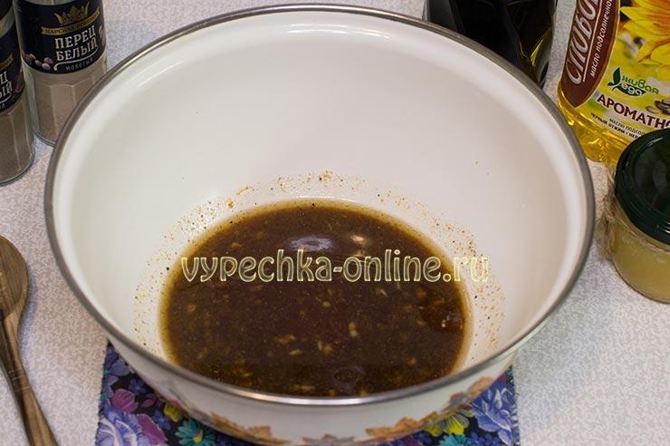 Маринад из соевого соуса, мёда, чеснока и имбиря