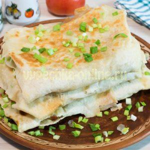 Постный лаваш с овощами на сковороде