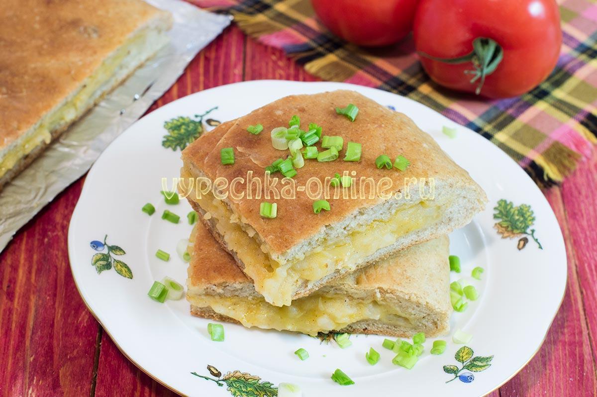 Дрожжевой пирог с картошкой и луком
