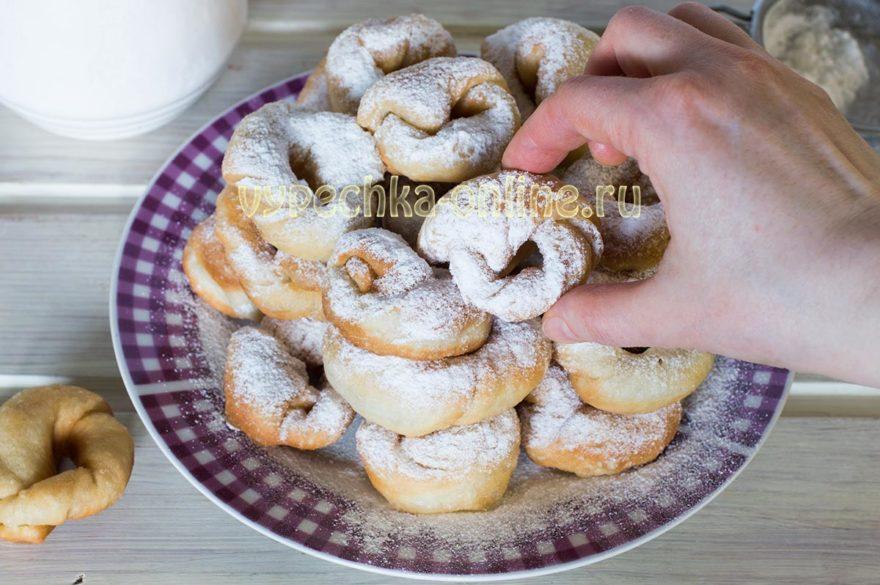 Постные пончики на воде и дрожжах