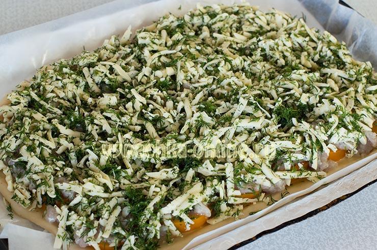 Пицца с фаршем и помидорами и сыром в духовке